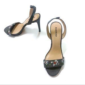 BEBE • Gray Floral Ingram Heel